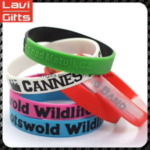 Cheap Good Design Silicone Rubber Bracelet with Logo pictures & photos