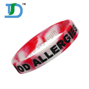 Custom Debossed Ink Fill Color Silicone Bracelet Gift for Promotion pictures & photos