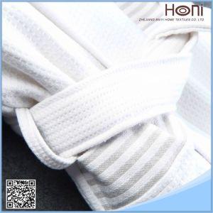 Bulk White 100% Cotton Bathrobe pictures & photos