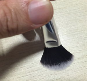 Fashionable Wooden Handle Single Makeup Brush pictures & photos
