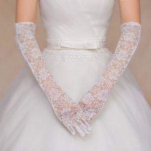 Aoliweiya Wedding Accessories Lace Bridal Glove pictures & photos