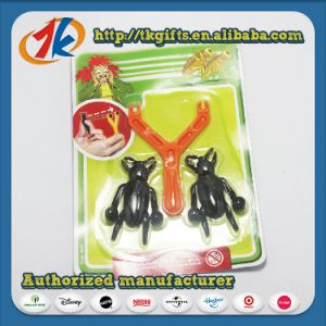 Novelty Funny Sticky Insect with Plastic Catapult Toy pictures & photos