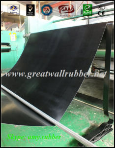 SBR+EPDM+NBR+Neoprene+Viton+Silicone Rubber Sheet Roll Antislip Floor Mat Flooring pictures & photos