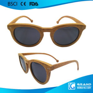 2017 Fashion Handmade Manufacturer China Wood Sunglasses pictures & photos