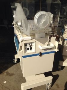 Hot Sale Medical Supply H-2000 Neonatal Premature Infant Baby Incubators with Low Price pictures & photos