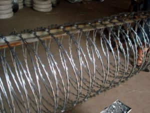 Low Price Concertina Razor Barbed Wire Finished Goods and Materials pictures & photos