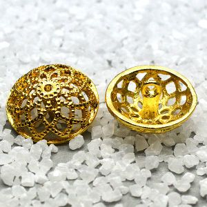 Golden Clip Cap Metal Dome Sewing Shank Button pictures & photos