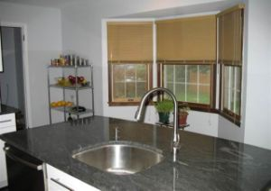 Ktichen Countertop of Granite pictures & photos