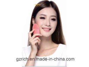 Home Use Silicone Facial Brush pictures & photos