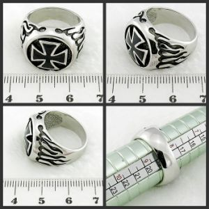 Stainless Steel Ring Fashion Jewelry Cross Ring pictures & photos