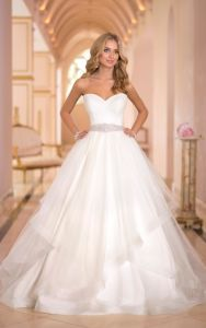 Strapless Sweetheart Bridal Ball Gowns Puffy Tulle Wedding Dress A095 pictures & photos