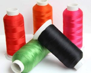 Texture Sewing Thread with 100% Spun Polyester, 150d/1 pictures & photos