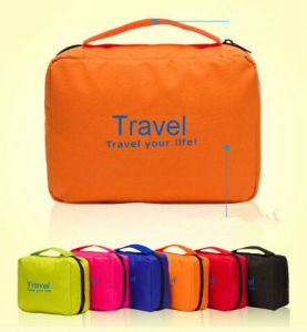 Protable Daily Toiletries Bags Travel Cosmetic Bag (54043) pictures & photos