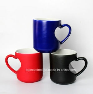Heart-Shaped Handle Color Changing Sublimation Mugs pictures & photos