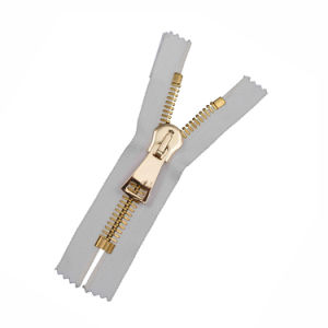 No. 15 C/E a/L Gold Teeth Brass Zips pictures & photos