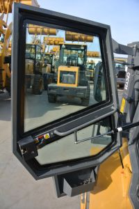 China 3.5ton All off Road Terrain Diesel 4W Driving Forklift pictures & photos