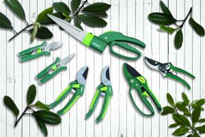 Garden Scissors Steel Trimming Tools 360 Degree Grass Swivel Shears pictures & photos