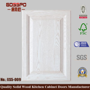 Customized Style Cherry Solid Wood Kitchen Cabinet (GSP5-041) pictures & photos