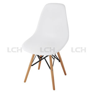 Wholesale High Quality Plastic Dining Chair with Wood Legs pictures & photos