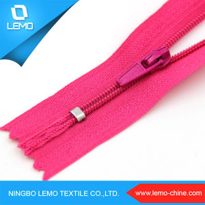 Top Quality Nylon Waterproof Zipper for Jacket pictures & photos