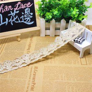 Factory Stock Wholesale 4.5cm Width Embroidery Gold Thread Nylon Net Lace Polyester Embroidery Trimming Fancy Mesh Lace for Garments Accessory & Home Textiles pictures & photos
