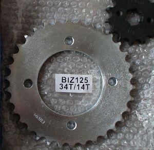 Motorcycle Sprocket-BIZ125-34T/14T pictures & photos