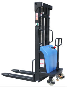 China Hight Quality 1.6t Semi Electric Pallet Stacker for Sale pictures & photos