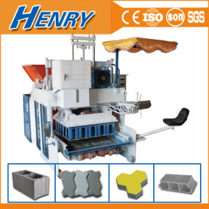 Qtm10-15 Movable Egg Layer Concrete Block Making Machine Interlocking Block Machine pictures & photos