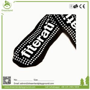 Custom Child Yoga Sock Manufacturer Kids Trampoline Sock pictures & photos