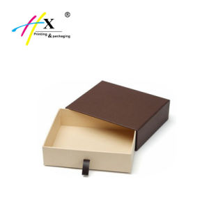 Guangzhou Clothing Cardboard Paper Packing Gift Box pictures & photos
