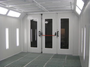 High Quality Car Spraying Booth Powder Coating Booth with Ce pictures & photos
