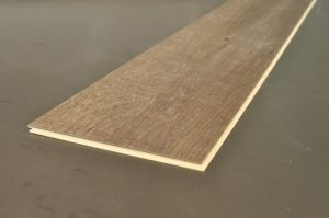 WPC Click Floor/ Flooring Planks with Interlocking/ Flooring Stripes with Zero Formaldehyde pictures & photos