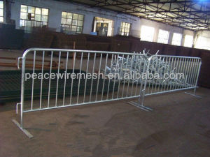 Galvanized or PVC Coated Crowd Control Barrier pictures & photos