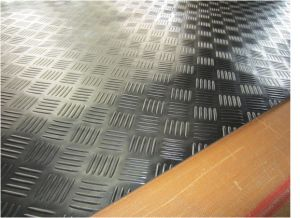 Fine Ribbed Rubber Sheet, Corrugated Rubber Sheet, Rubber Rolls, Diamond Thread Rubber Sheet for Flooring pictures & photos