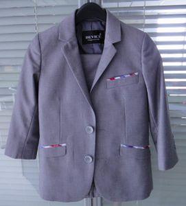 OEM Two Buttons Notch Lapel Boys Suits pictures & photos