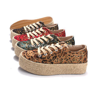 Women Leopard Canvas Shoes with Hemp Rope Platform pictures & photos