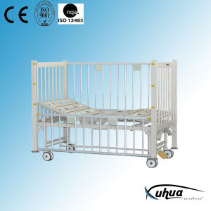 New Model Two Cranks Manual Hospital Pediatric Bed (D-9) pictures & photos