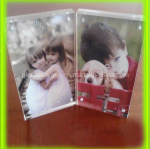 Plastic Display Double Sided Acrylic Photo Frame with Magnets pictures & photos