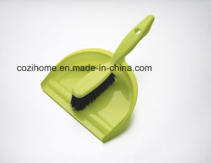 High Quality Plsastic Dustpan with Brush (3411) pictures & photos