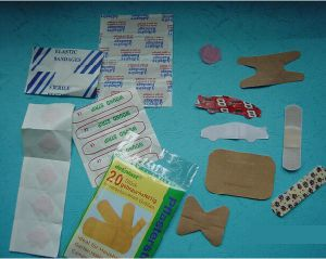 Disposable First Aid Plaster with Cr and ISO Approved pictures & photos