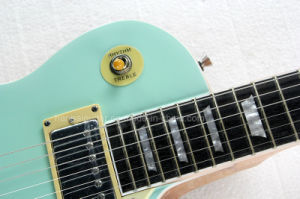 Hanhai Music / Sky-Blue Lp Style Electric Guitar with Fixed Bridge pictures & photos
