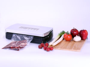 Vacuum Sealer (V15S) pictures & photos