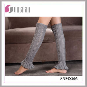 2015 Europe Bud-Shaped Leg Warmers Foot Knitting Wool Socks pictures & photos