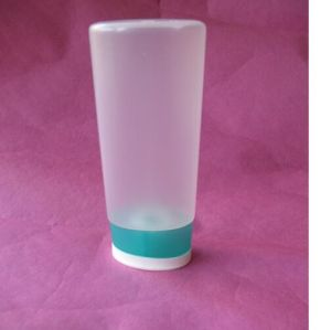 200ml Cosmetic Bottles with Two Color Flip Top Cap pictures & photos