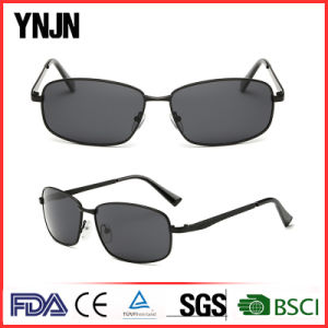 Sun Shade High End Polarized Square Sunglasses with Your Logo (YJ-F8475) pictures & photos