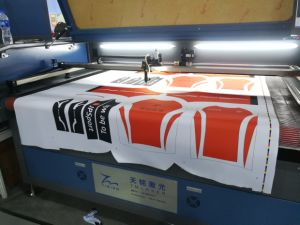 150W CCD Printed Large Format fabric Laser Cutting Machine