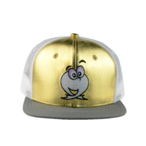 Custom Gold/White Embroidery 6 Panels PU/Mesh Flat Brim Trucker Cap pictures & photos