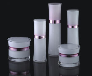 Cosmetic Cream Bottle and Jar From Acrylic (NST08) pictures & photos
