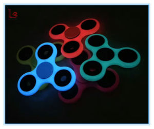 Amazon Fluorescent Hand Spinner Luminous Fidget Spinner Glow in Dark pictures & photos