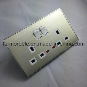 European 13A Wall Switch Socket/Multi-Functional Socket pictures & photos